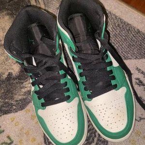 Jordan 1s green pines